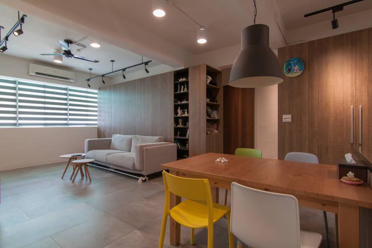 ZNY house:  客廳 by 珞石設計 LoqStudio