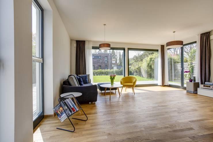 Woonkamer door Architekturbüro Prell und Partner mbB Architekten und Stadtplaner