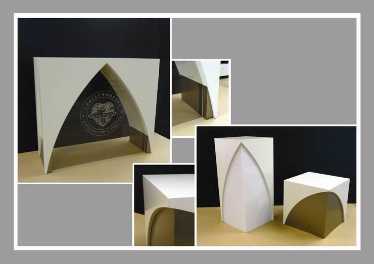 ONTWERP ALTAAR VOOR CHRIST EMBASSY TE DIEMEN: modern  door LINDESIGN Amsterdam Ontwerp Design Interieur Industrieel Meubels Kunst, Modern Glas