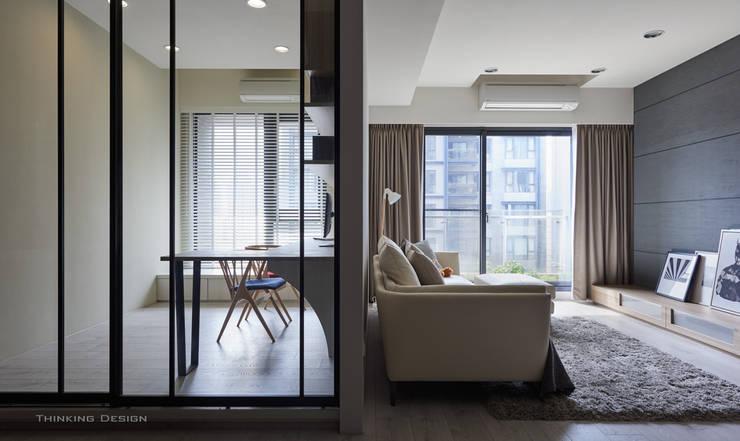 東京中城 潘宅:  書房/辦公室 by 思維空間設計