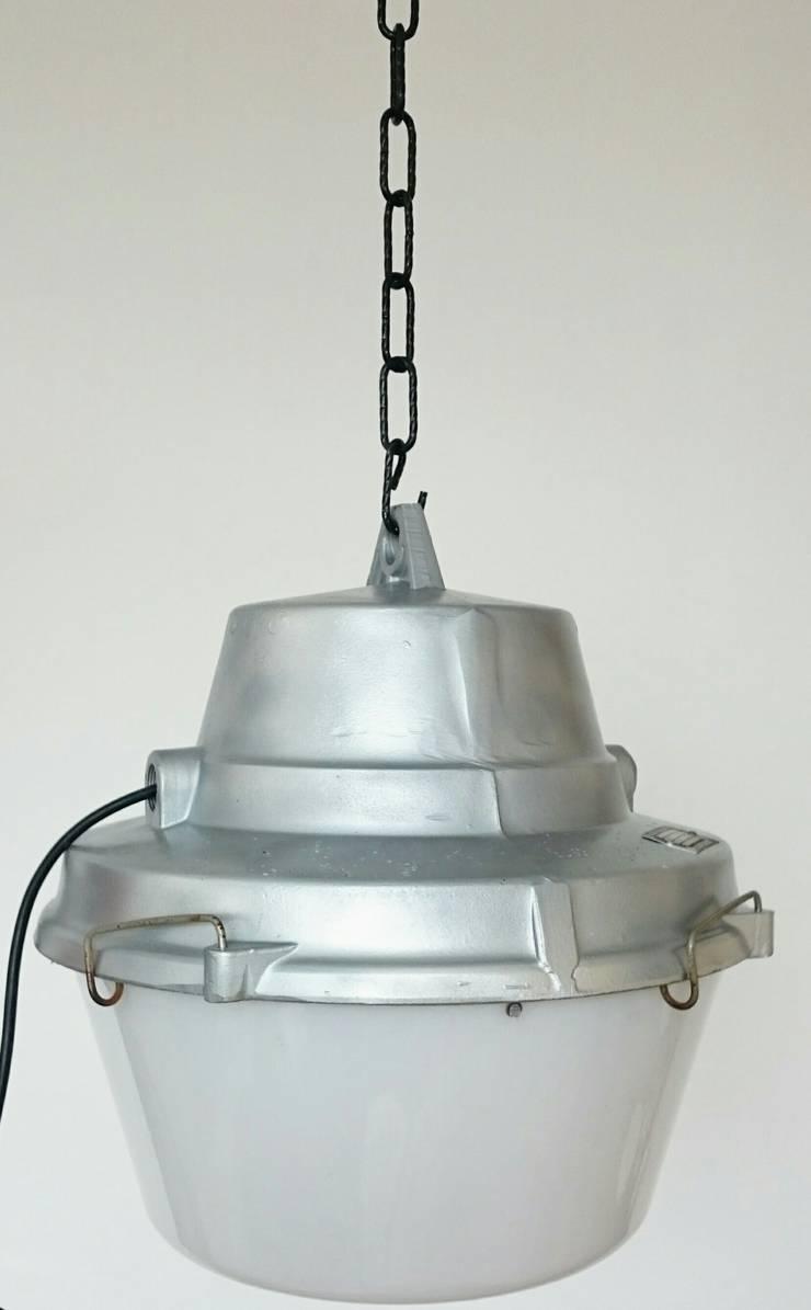 industrial light : industrial Kitchen by INDUSTRIALHUNTERS