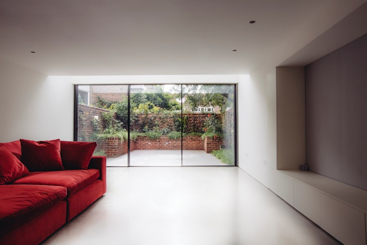 TV and Garden Room :  Media room by Gundry & Ducker Architecture