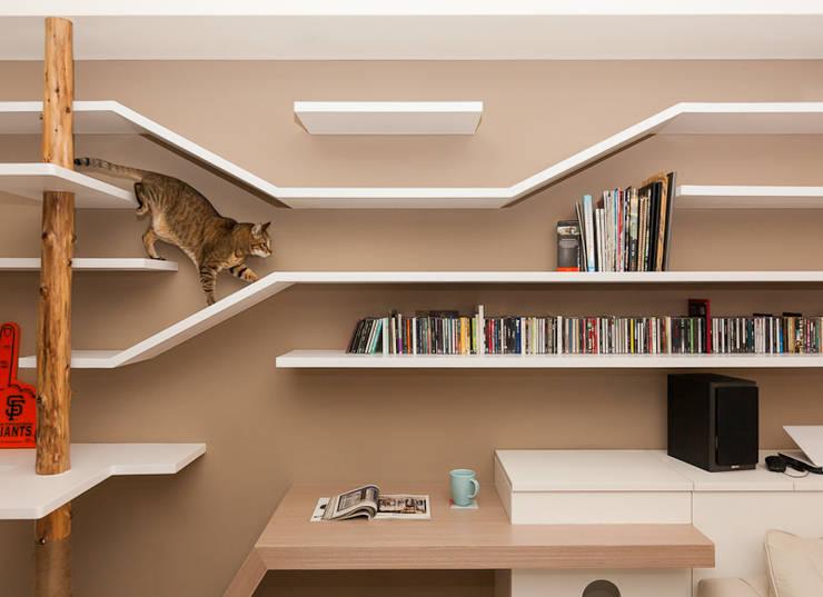 一極:  客廳 by 思維空間設計