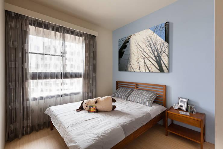 一極:  臥室 by 思維空間設計