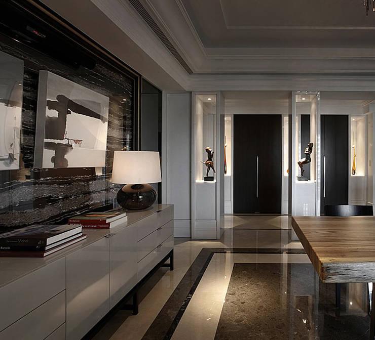 【大明大放 | Bright, Open space】:  客廳 by 天坊室內計劃有限公司 TIEN FUN INTERIOR PLANNING CO., LTD.