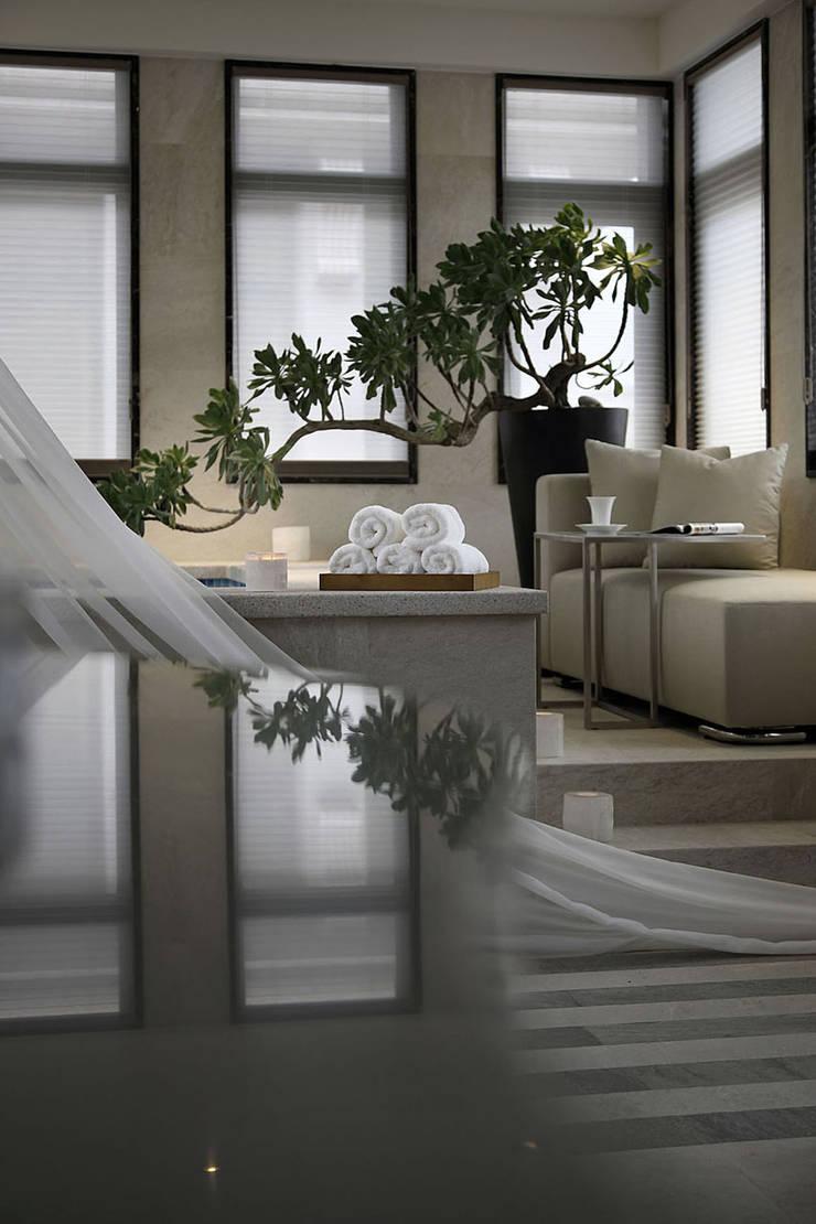 【C House】:  浴室 by 天坊室內計劃有限公司 TIEN FUN INTERIOR PLANNING CO., LTD.