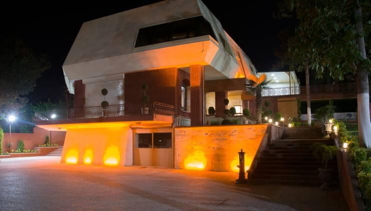Casas modernas de MAESTRO İÇ MİMARLIK Moderno