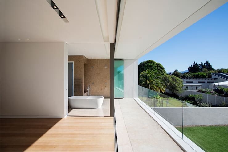 FIRTH 114802 by Three14 Architects:  Bathroom by Three14 Architects, Minimalist