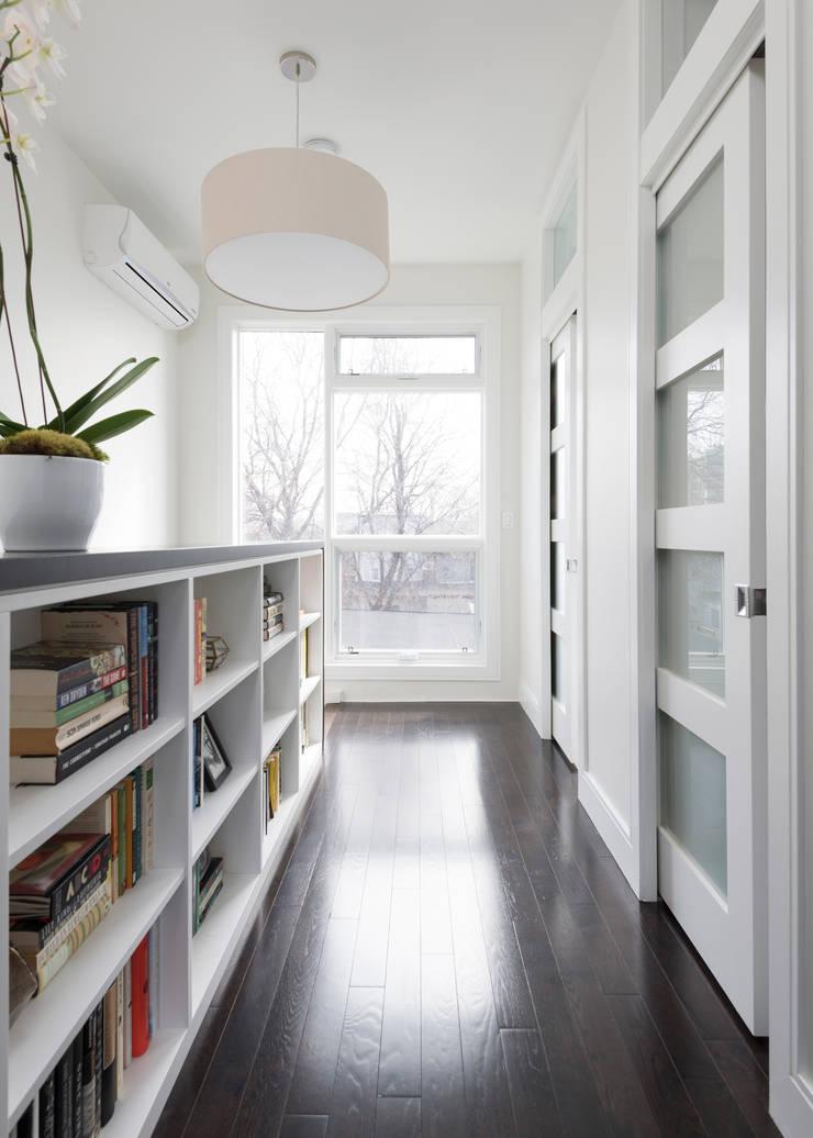 Hallway with Custom Bookcase:  Bedroom by STUDIO Z