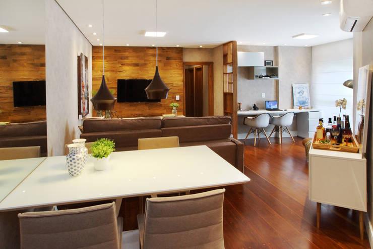 Comedores de estilo moderno por Serra Vaz Arquitetura e Design de Interiores