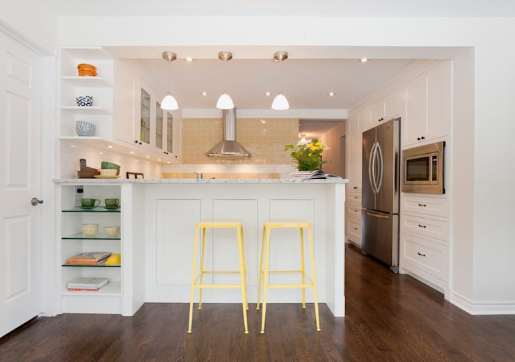 Shaker Style Kitchen Renovation - Hidden Trail: modern Kitchen by STUDIO Z