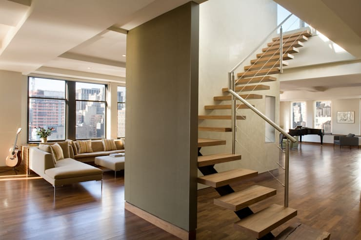 Empire State Loft, Koko Architecture + Design:  Living room by Koko Architecture + Design