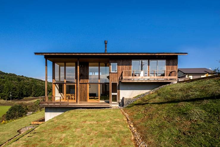 eclectic Houses by 中山大輔建築設計事務所/Nakayama Architects
