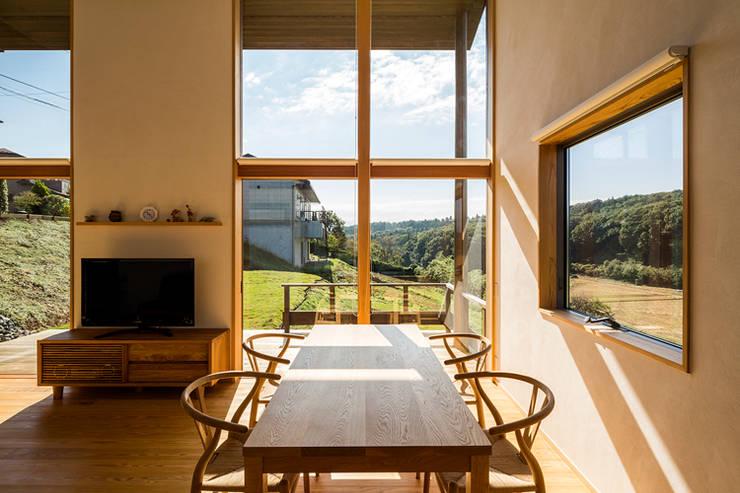 Dining room by 中山大輔建築設計事務所/Nakayama Architects