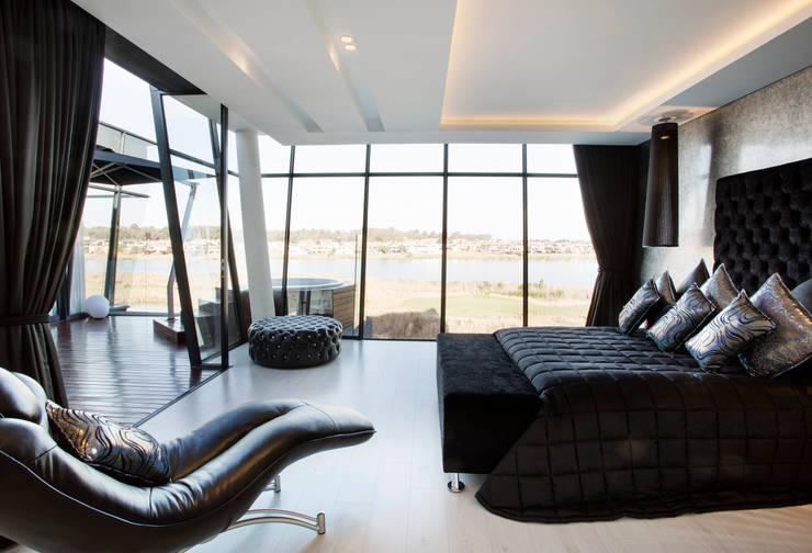 Bedroom by FRANCOIS MARAIS ARCHITECTS