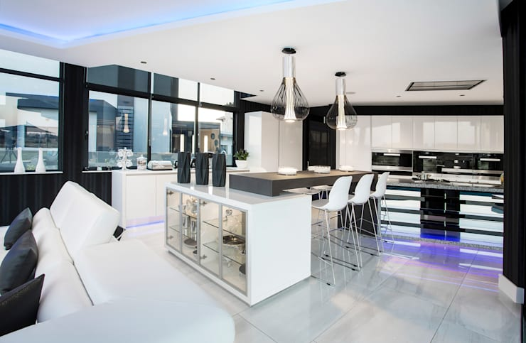 ULTRA MODERN RESIDENCE:  Kitchen by FRANCOIS MARAIS ARCHITECTS