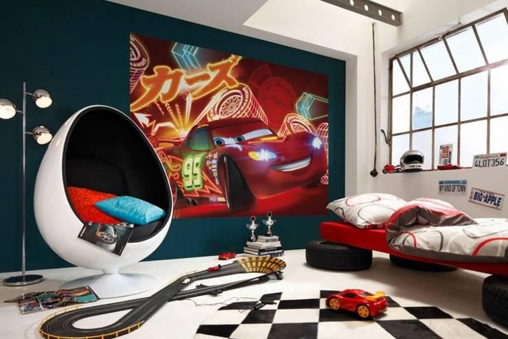 Papel de parede Wallpaper www.intense-mobiliario.com  CARS NEON : Paisagismo de interior  por Intense mobiliário e interiores;