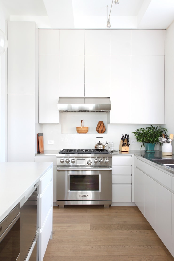 Chelsea Loft:  Kitchen by Maletz Design