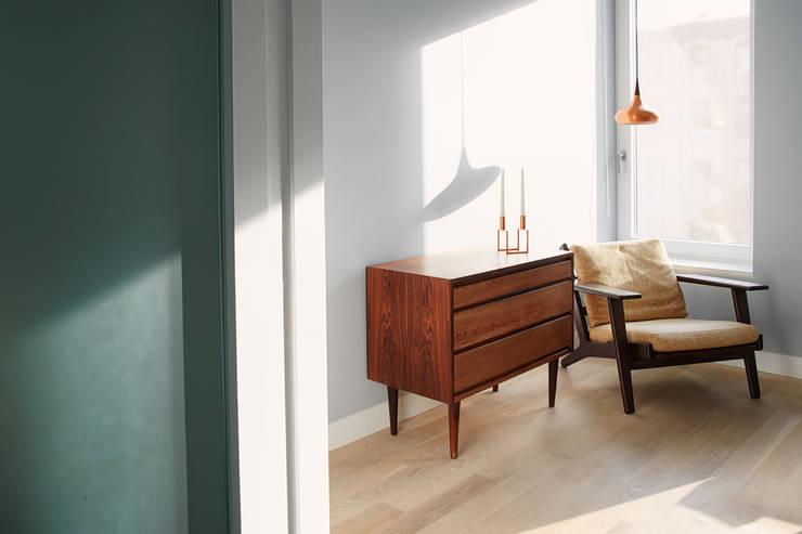 Passive in Park Slope:  Study/office by Sarah Jefferys Design