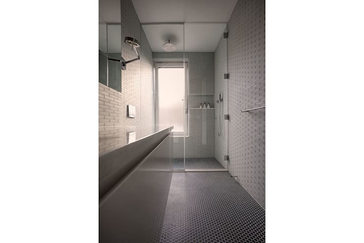 Passive in Park Slope:  Bathroom by Sarah Jefferys Design
