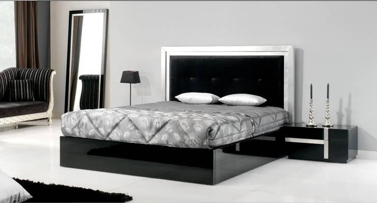 Mobiliário de quarto Bedroom furniture www.intense-mobiliario.com  LEGNA2 : Quarto  por Intense mobiliário e interiores;