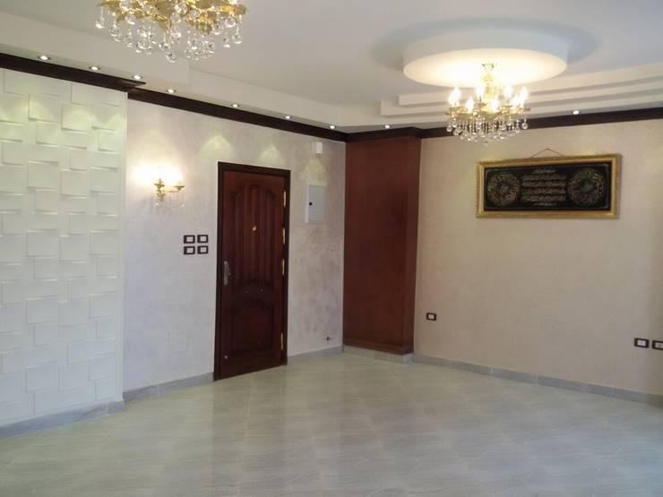 Salas / recibidores de estilo  por Etihad Constructio & Decor, Clásico