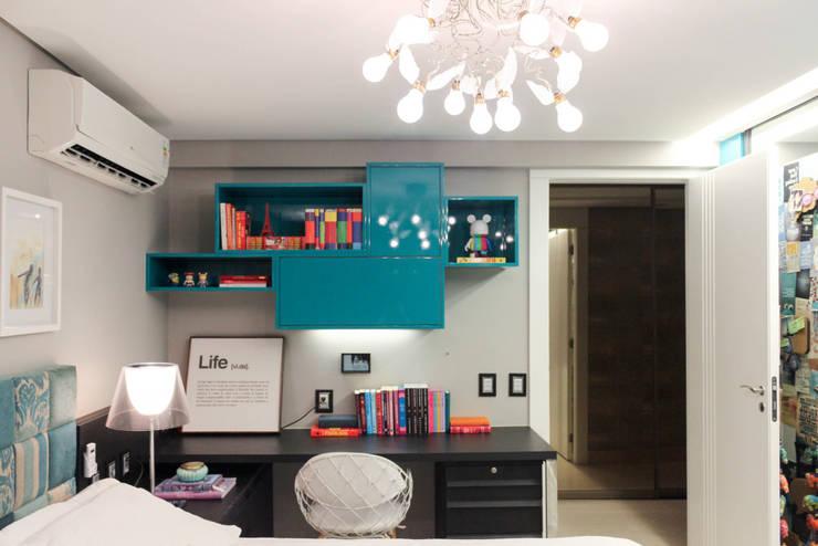 غرفة نوم تنفيذ Nogueira Arquitetura e Interiores