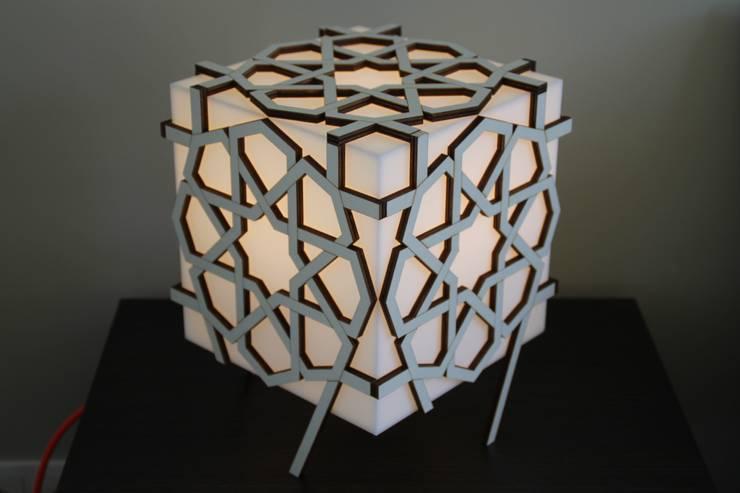 Geo Lina Lamp:  Woonkamer door Studio Nor