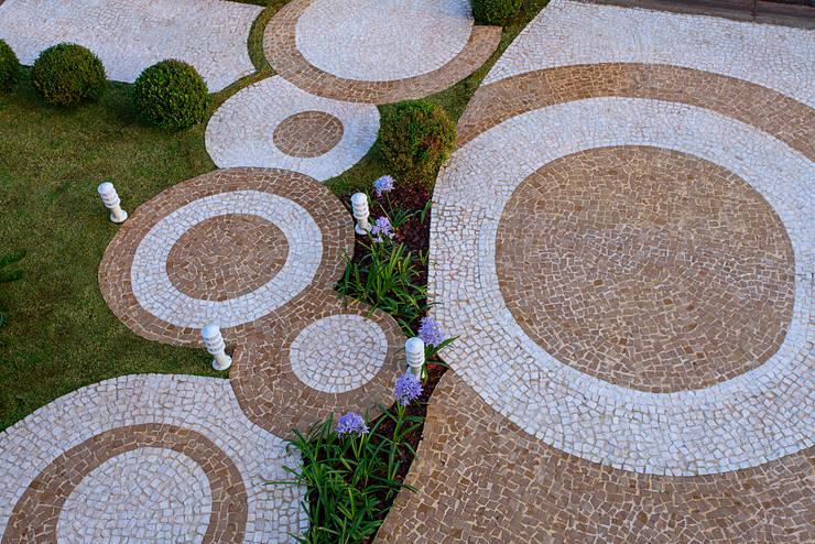 Projekty,  Ogród zaprojektowane przez Arquiteto Aquiles Nícolas Kílaris