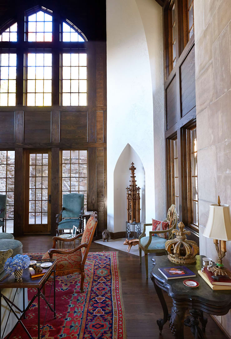 English Abbey:  Living room by Jeffrey Dungan Architects