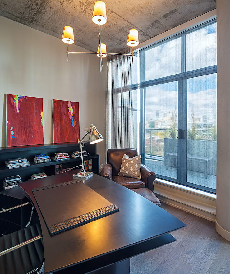 Penthouse Office: modern Study/office by Collage Designs