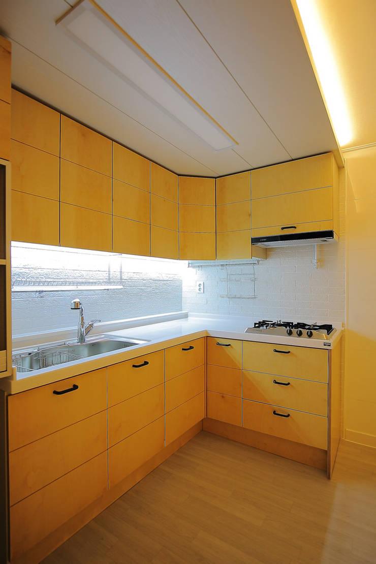 주방: inark [인아크 건축 설계 디자인]의  주방,