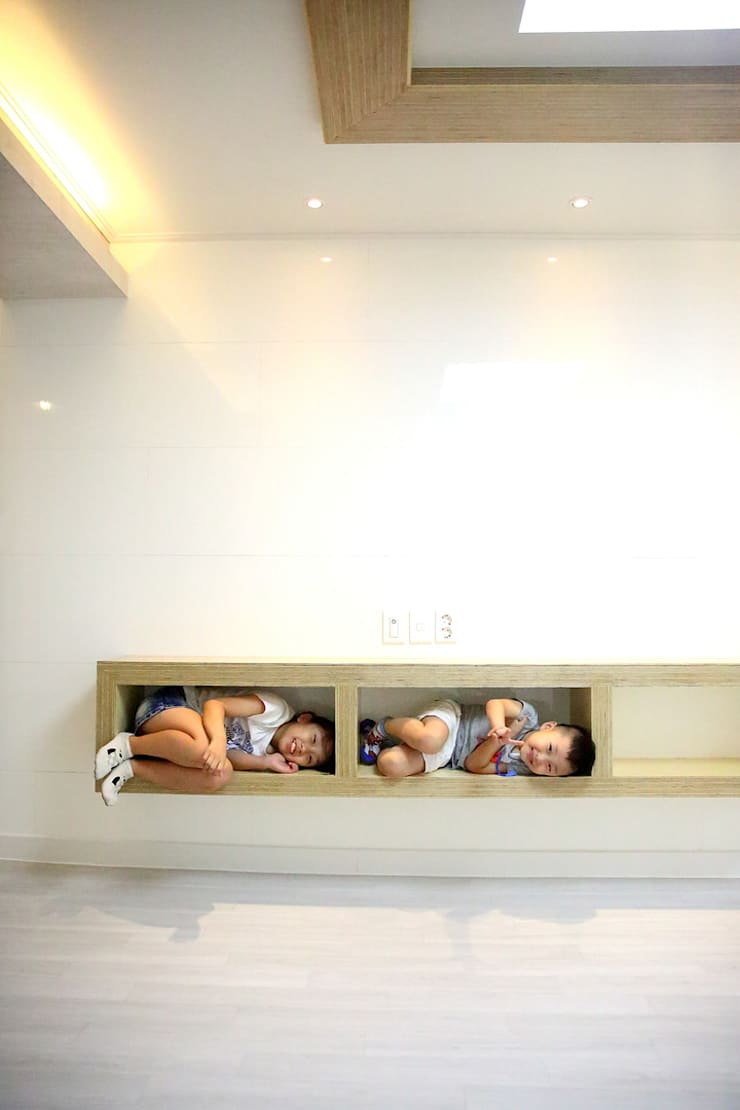 거실장: inark [인아크 건축 설계 디자인]의  거실,