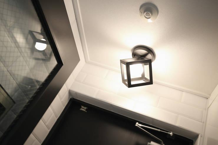 현관: inark [인아크 건축 설계 디자인]의  복도 & 현관,