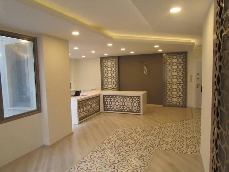 GO Design İç Mimarlık – A.T. Mali Müşavir Ofis:  tarz Duvarlar, Klasik