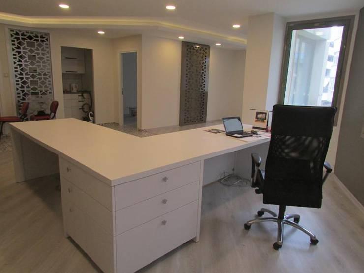 GO Design İç Mimarlık – A.T. Mali Müşavir Ofis:  tarz , Klasik