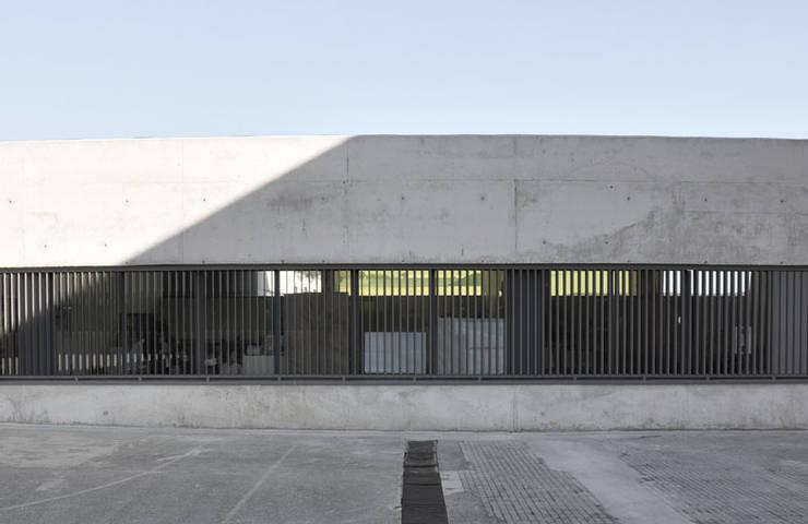 by RAFAEL ALCANTARA Modern