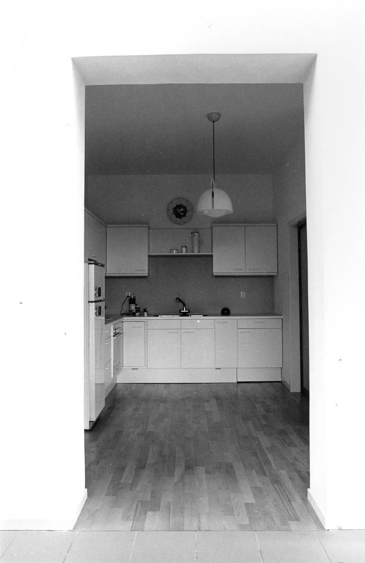 keuken:  Eetkamer door Voets Architectuur en Stedenbouw
