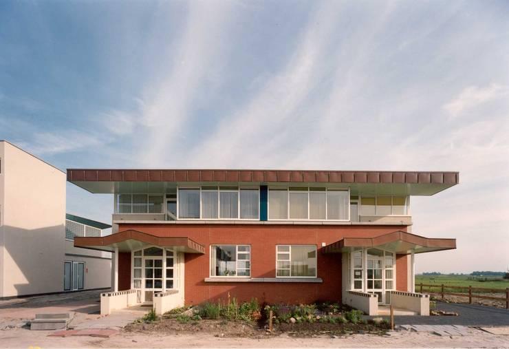 entreegevel:  Huizen door Voets Architectuur en Stedenbouw