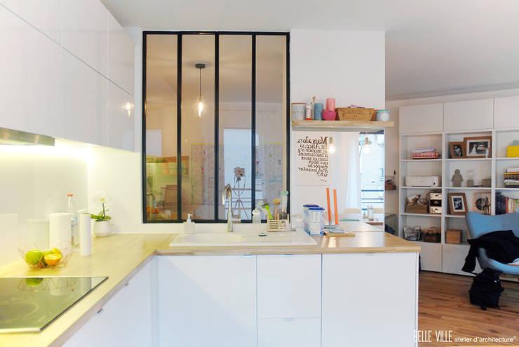 مطبخ تنفيذ Belle Ville Atelier d'Architecture