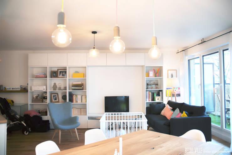 Salas / recibidores de estilo escandinavo por Belle Ville Atelier d'Architecture