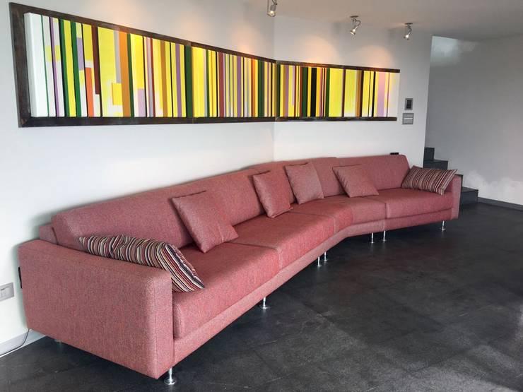 Apto. Bello Monte: Salas / recibidores de estilo  por THE muebles