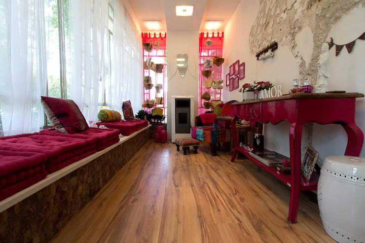 Pisos Flotantes. Eucatex/Eucafloor Brasil: Dormitorios de estilo  por VIER ABINET S.A. Pisos & Decks