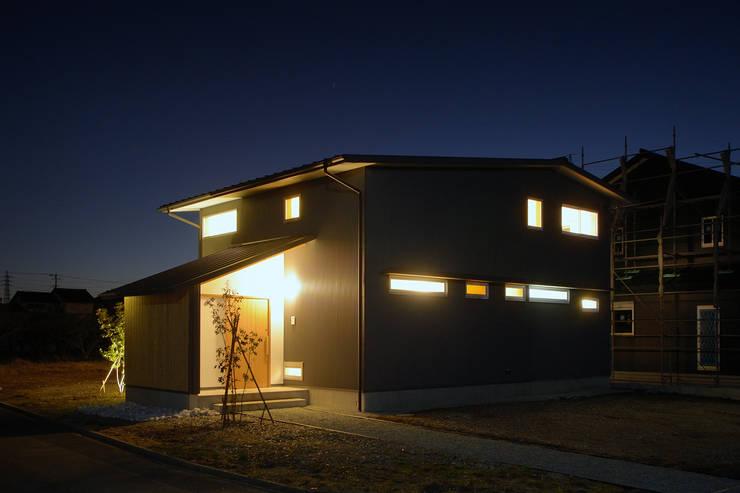Casas de estilo  por 株式会社kotori, Moderno