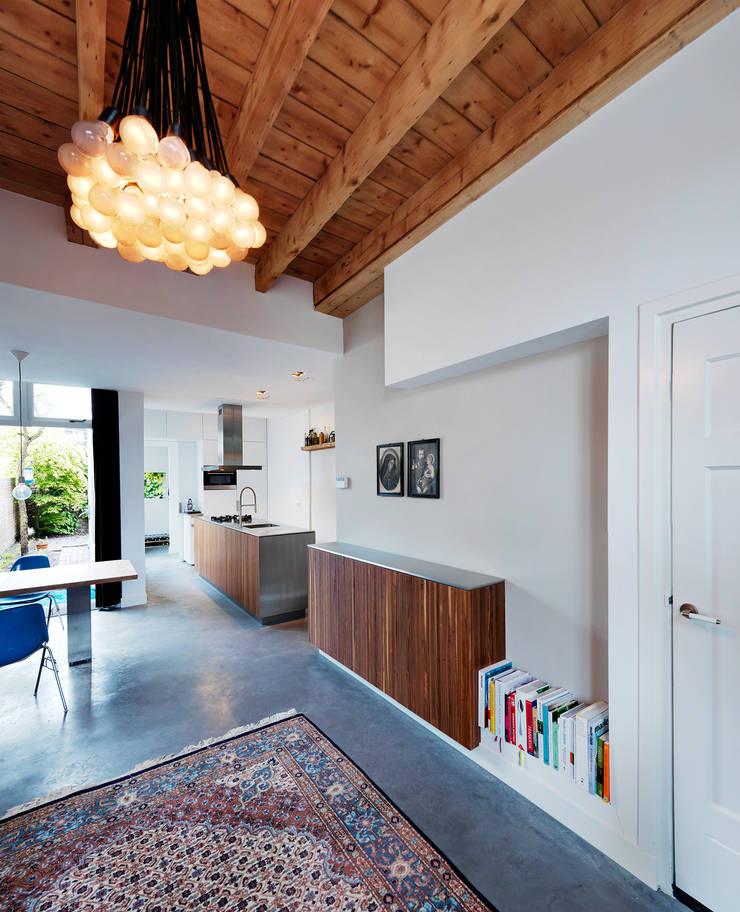 Home renovation:  Living room by BuroKoek
