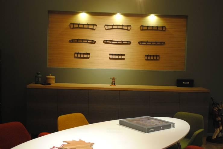 Ziynet Mobilya Dekorasyon San. Tic. Ltd. Şti. – ofis toplantı masası:  tarz Ofis Alanları & Mağazalar