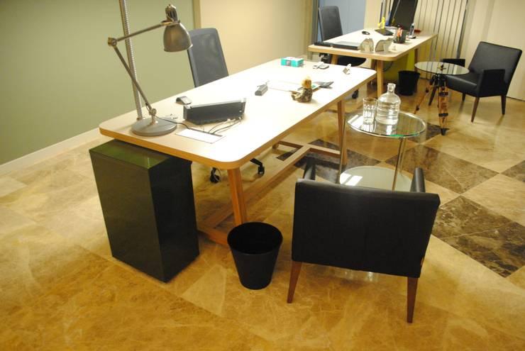Ziynet Mobilya Dekorasyon San. Tic. Ltd. Şti. – ofis çalışma alanı:  tarz Ofis Alanları & Mağazalar