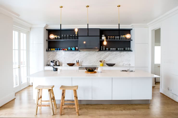 House Oranjezicht: scandinavian Kitchen by ATTIK Design
