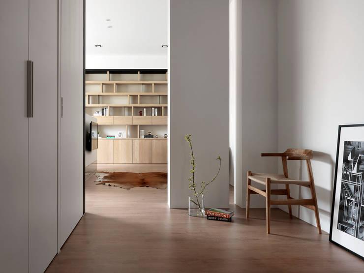 Projekty,  Sypialnia zaprojektowane przez 夏沐森山設計整合