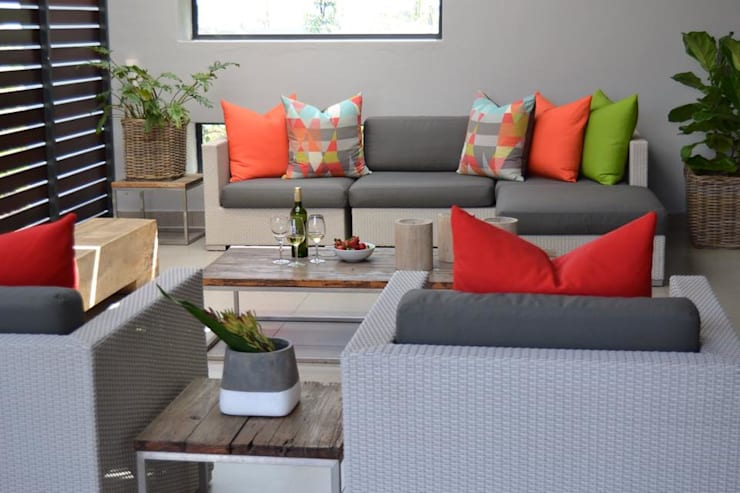 Residential - Steyn City : modern Conservatory by Nowadays Interiors